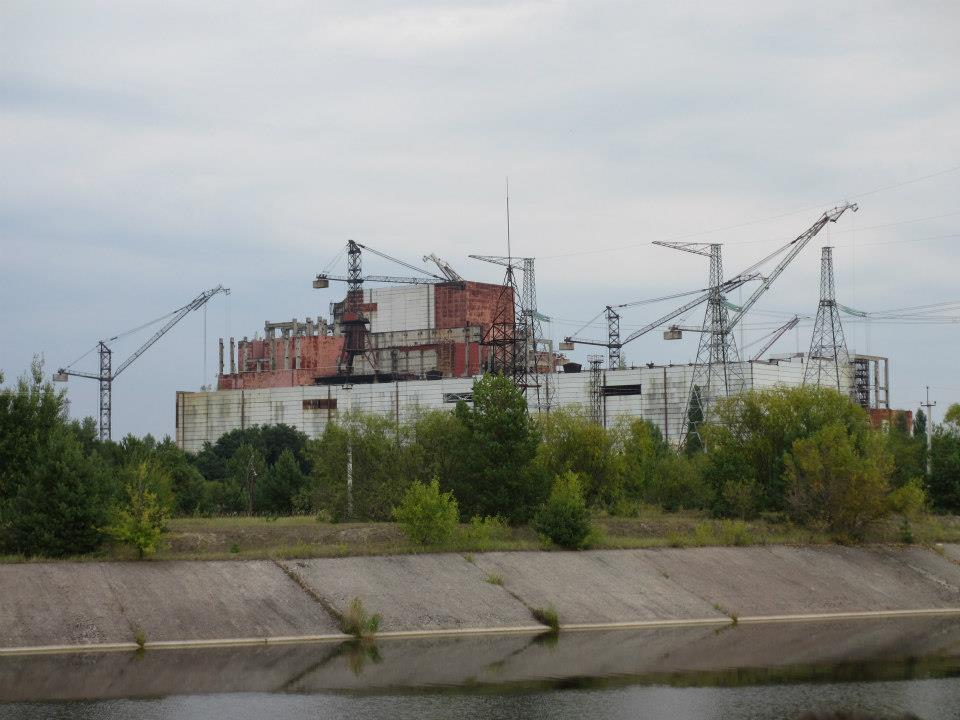 Längre till söder står reaktor 5 och 6 ofärdiga. De blev aldrig färdiga då man la ner fortsatt bygge efter 1986. Totalt skulle 12 reaktorer byggas och den sista skulle stå färdig 2012! Då skulle Ukraina (CCCP) vara den största atomnationen i världen.